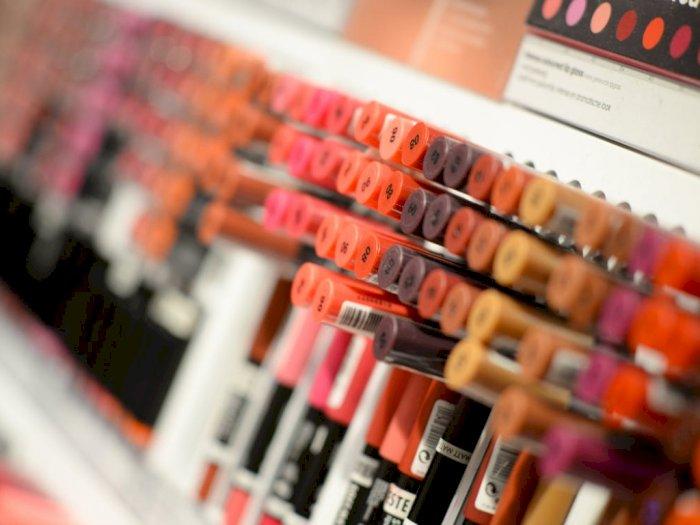 Hati-hati, Ini Bahaya Terlalu Sering Mencoba Produk Tester Makeup
