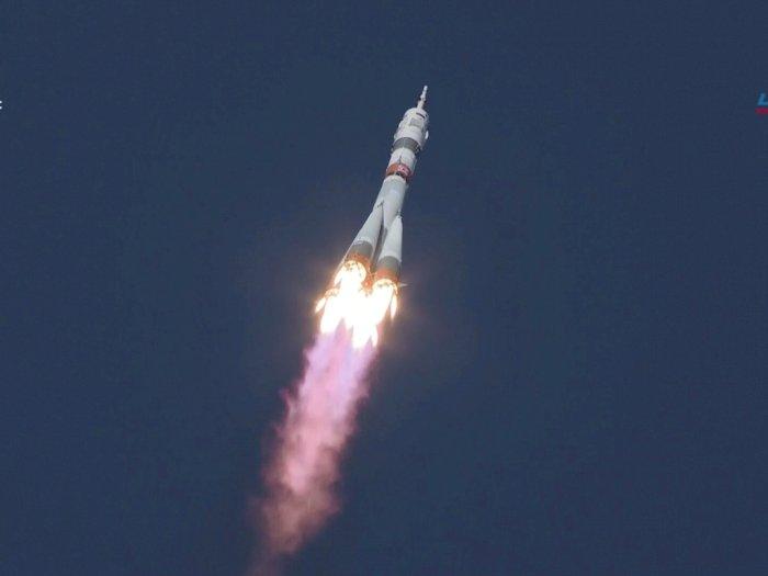 FOTO: Pesawat Ruang Angkasa Soyuz MS-17 Meluncur dari Baikanur Cosmodrome