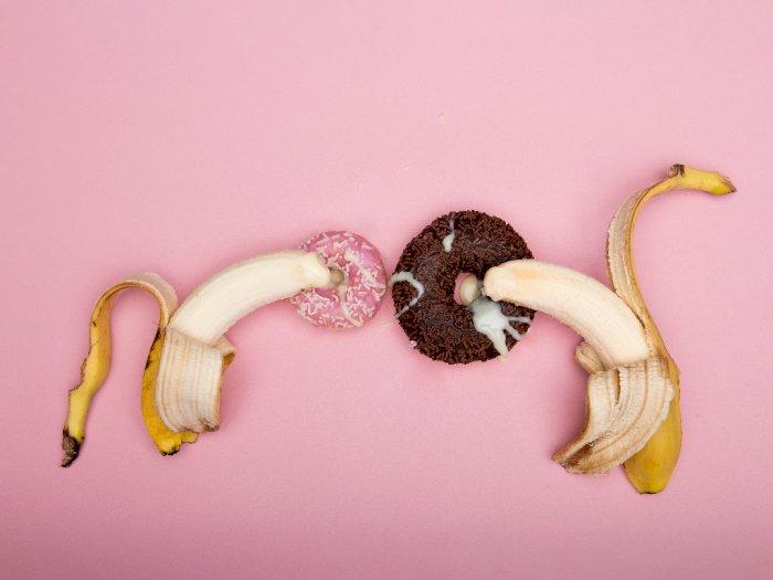 Benarkah Saat Ejakulasi di Luar Vagina, Sperma Tetap Bisa Buahi Sel Telur?
