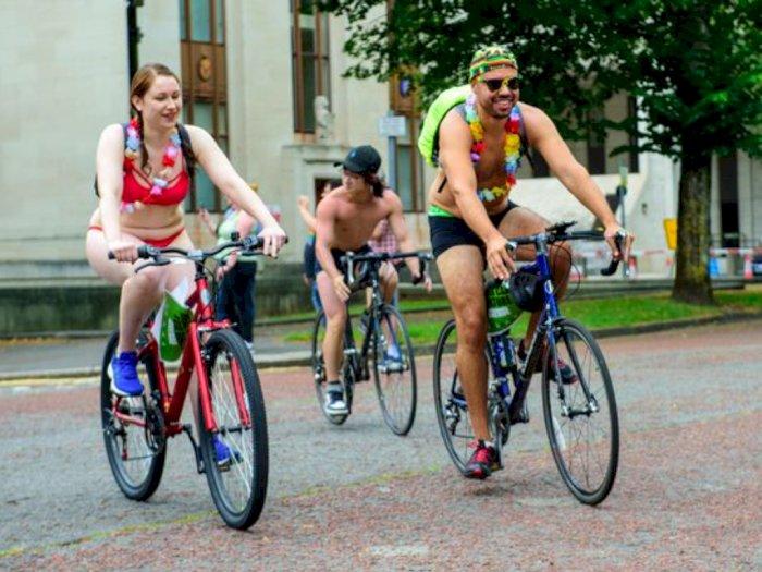 The World Naked Bike Ride Kembali Beraksi, Perjuangkan Keselamatan Bersepeda di Jalanan