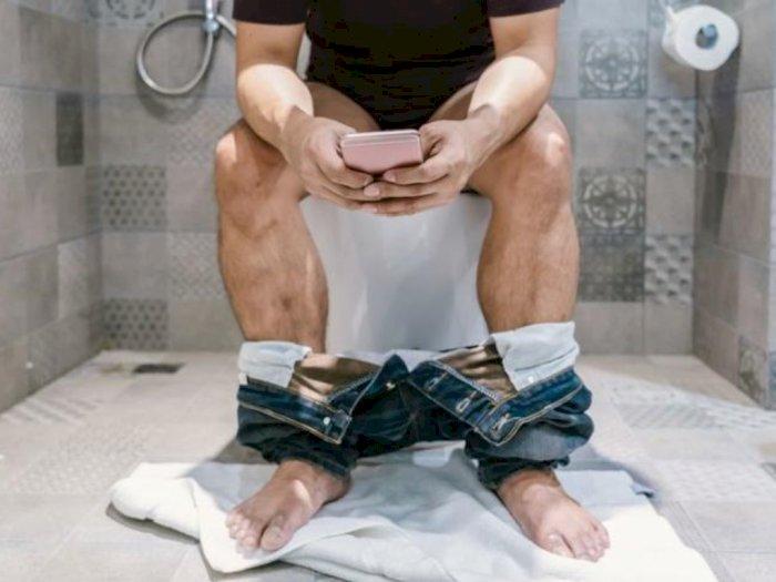 Pria Ini Habiskan 4 Jam di Toilet Restoran, Istri Marah Makan Sendiri, Bayar Lalu Pergi