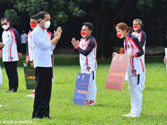Ganjar Greysia Polii Bonus Rp 5,5 M, Jokowi: Semoga Jadi Motivasi Atlet Breprestasi