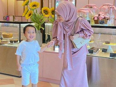 Jadi Single Parent, Larissa Chou Berharap Anaknya Cepat Dewasa: Mamah Mau Bersandar