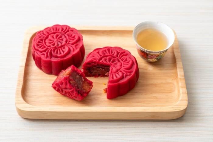 kue bulan kacang merah