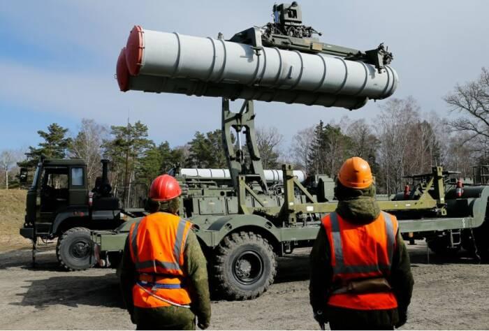 Sistem pertahanan S-400 dibeli Turki dari Rusia. (id.rbth.com)